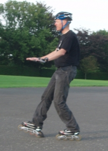 Sliding the brake of your inline skates