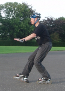 How to stop on inline skates using a heel brake